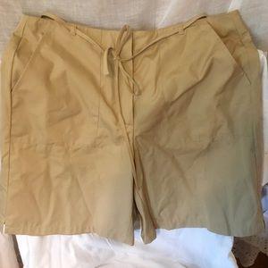 Liz Claiborne Women's Short, Size 10 Tan